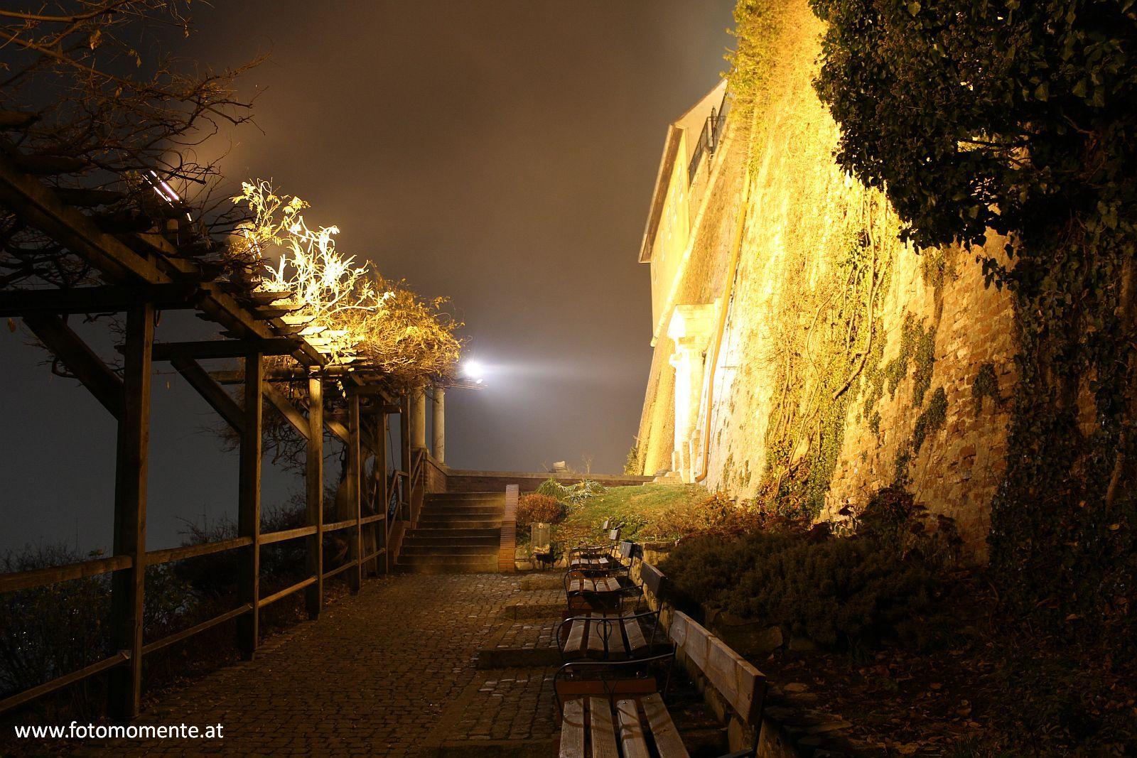 anlagen unterhalb bastie kanonenhütte garnisionsmuseum - Anlagen unterhalb der Bastie (Grazer Schloßberg) bei Nacht