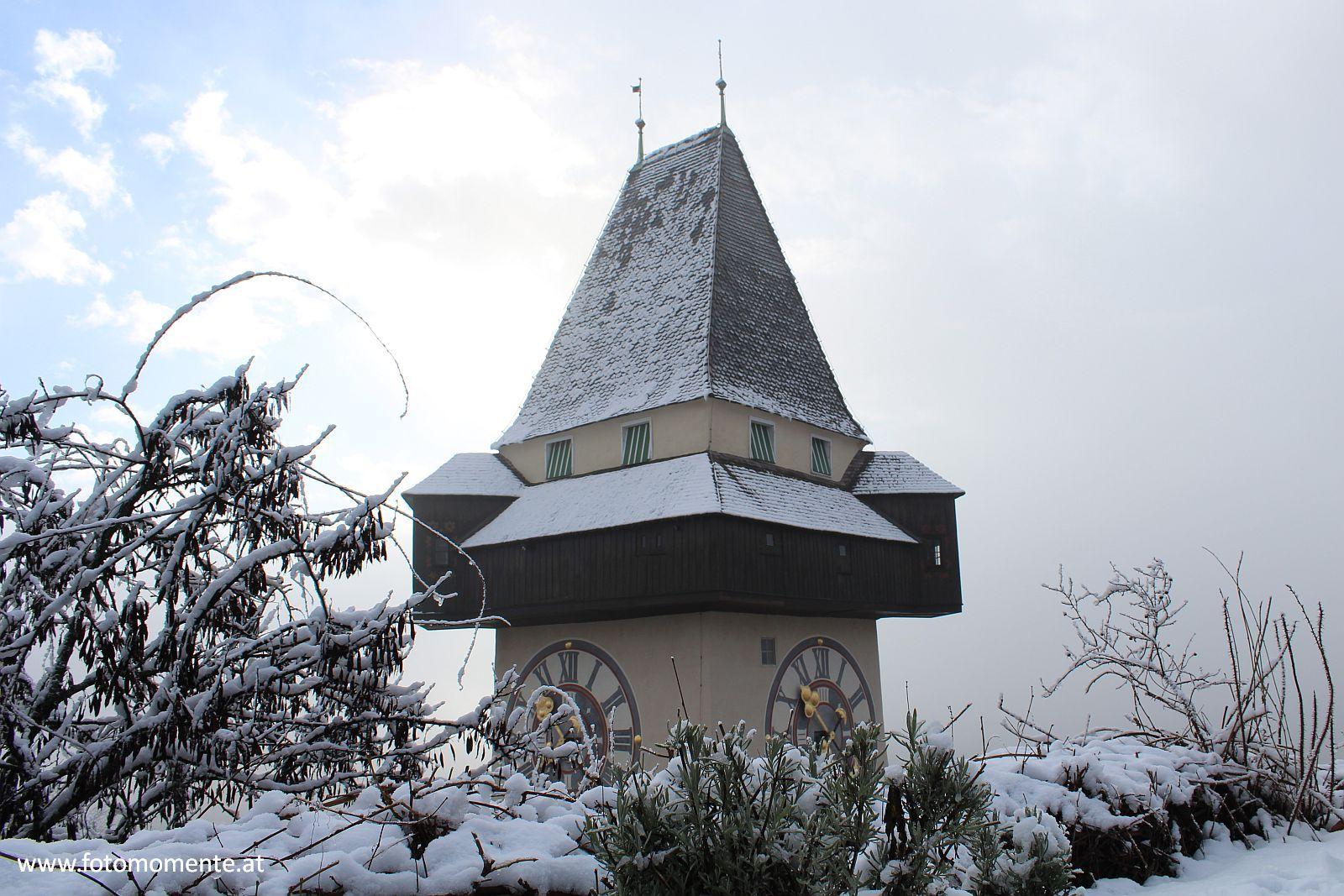 uhrturm graz winter schnee - Uhrturm am Grazer Schloßberg im Winter