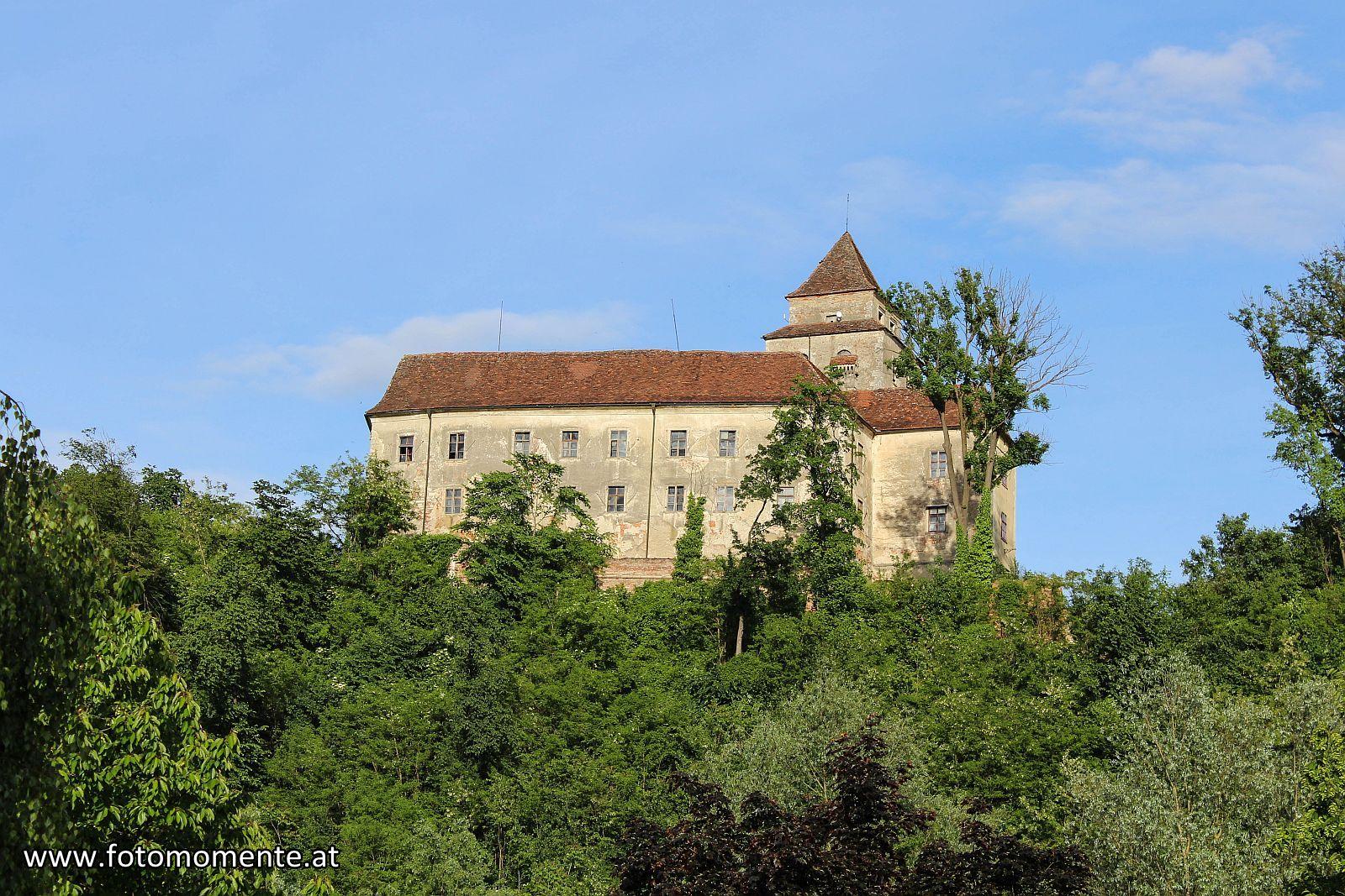 Burg Schloss Ehrenhausen - Schloss Ehrenhausen