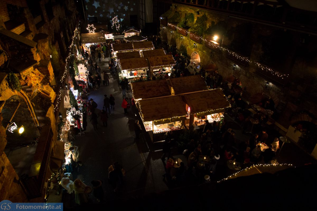 Aufsteirern Weihnachtsmarkt in den Kasematten von oben 1