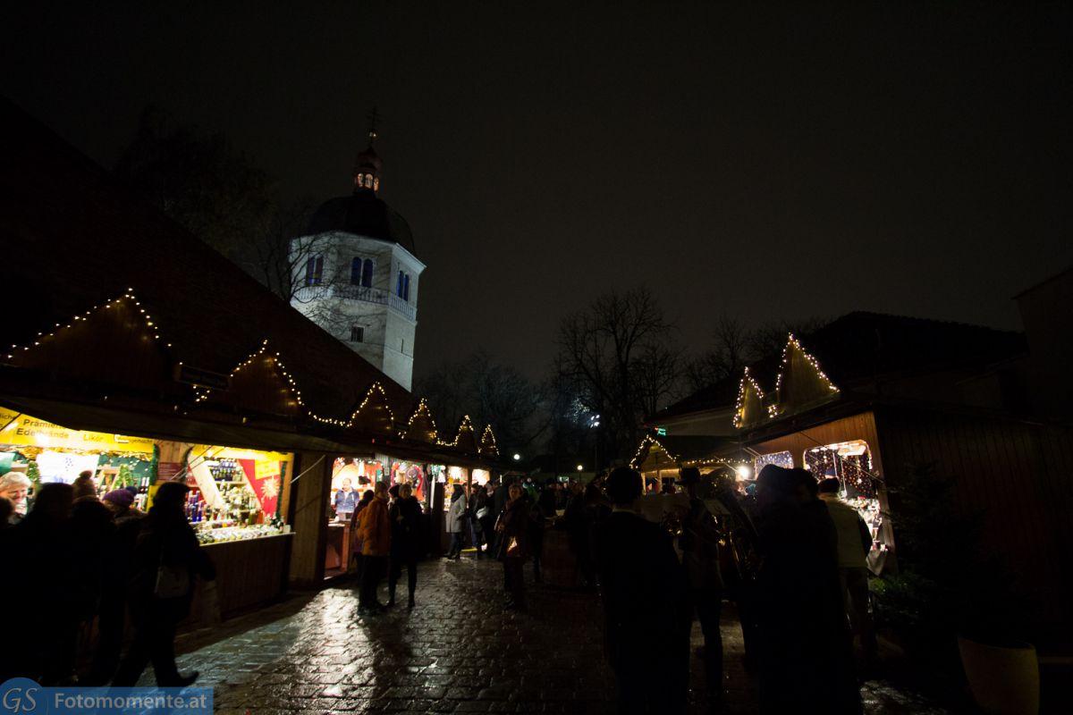 Weihnachtsmarkt vor den Kasematten