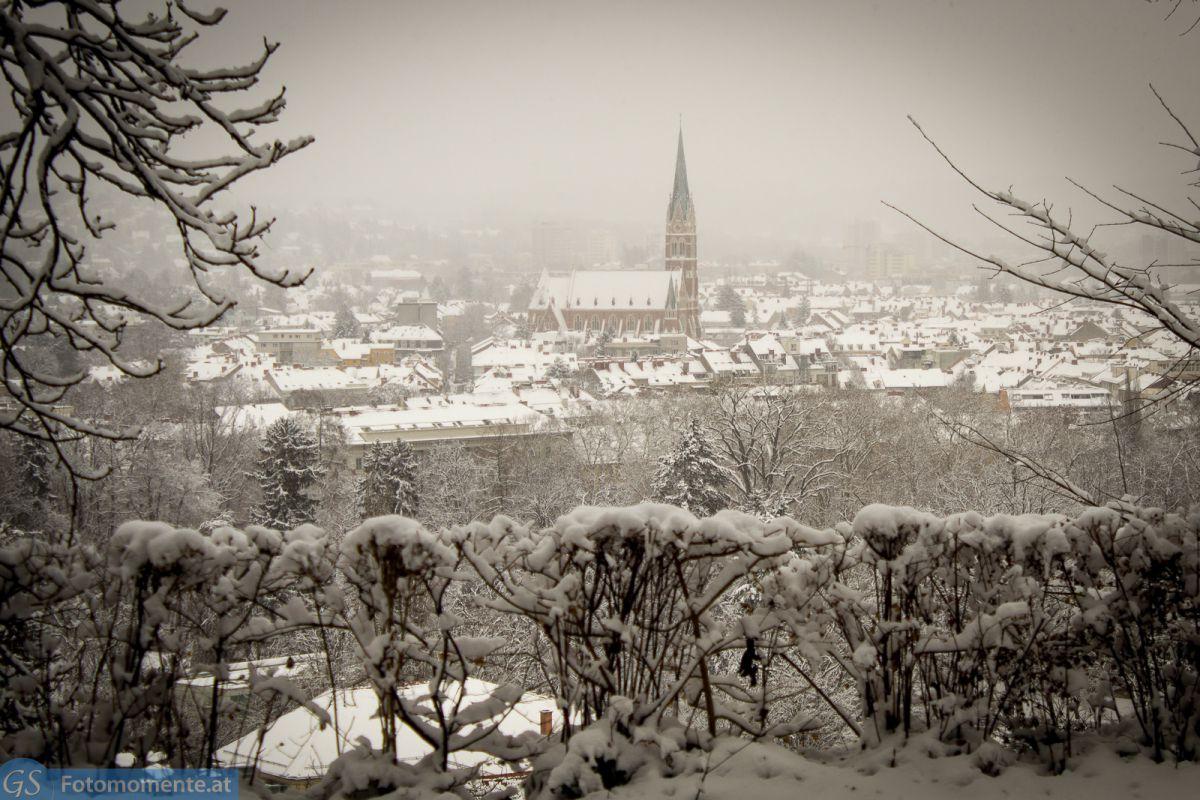 Graz_im_Schnee_Herz_Jesu_Kirche