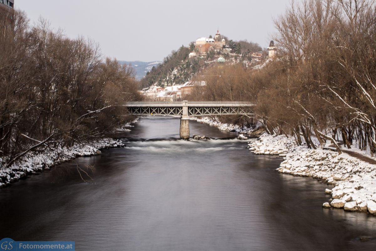 Graz_im_Schnee_Mur_Langzeitbelichtung