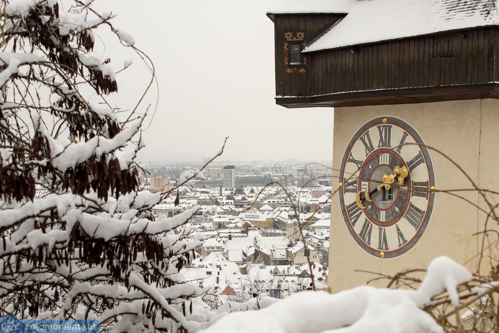 Graz im Schnee Uhrturm im Ausschnitt - Graz im Schnee, Dezember 2014
