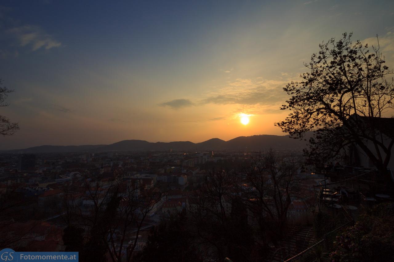 Timelapse Sonnenuntergang Graz - Graz - Timelapse vom Sonnenuntergang am Schlossberg am 21.3.2015